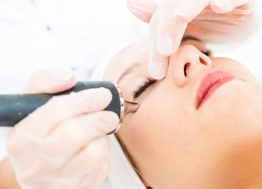 Laser skin treatment in Hazratganj Lucknow